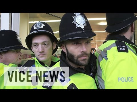 Debt-Ridden Students Protest in Brighton (Extra Scene from 'The Student Debt Sentence')