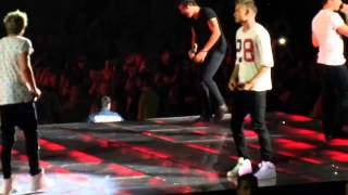 Liam injuring Niall