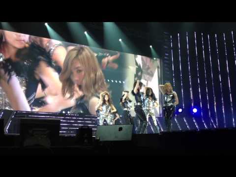 [Fancam][HD] Girls Generation Tour in Bangkok 12/02/2012 – The Boys