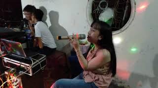 Hot girl quận cam hát