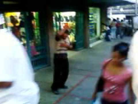 Borracho bailando en la plaza Bolivar de Cua, Edo Mirandda. Venezuela. Venezuela.