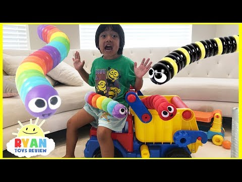 Slither.io IRl Parent vs Kid Family Fun Pretend Playtime