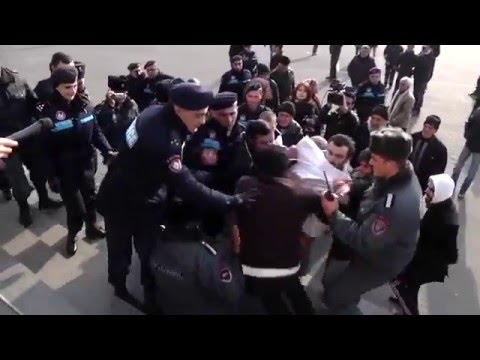 Armenian police forcefully detained opposition activists