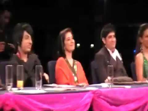 Tu Milay Dil Khilay singing by Comedian Mani Liaqat for Manisha Koirala