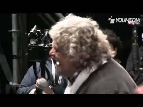 """Tsunami Tour finale 2013 Movimento 5 Stelle parla """"Beppe Grillo"""" a Roma piazza San Giovanni"""