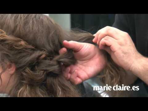 Cómo hacer un recogido romántico con pelo rizado