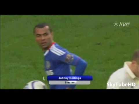Johnny-Heitinga-Shoulder-Pushes-Ashley-Cole