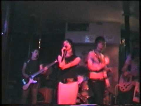 The Long Blondes - In The Movies (Live at the Paradise Bar June 2004)