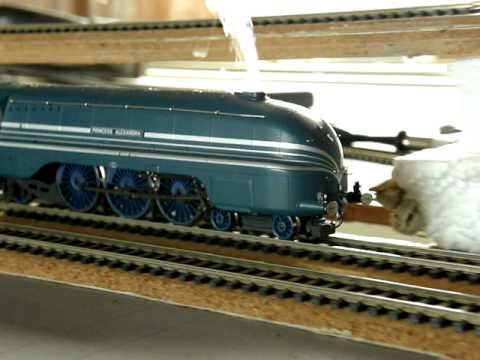 Steam Locomotive Streamlined Duchess with DCC sound. Lights and smoke. Zimo MX640.