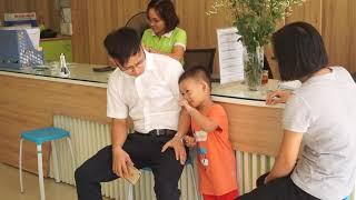 Bé 4 tuổi nhớ vanh vách danh sách lớp (con zai nhà Quốc Đạt - Thùy Dung)