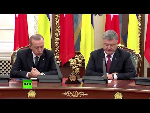 Erdogan struggles to stay awake during presser with Ukraine's Poroshenko