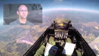 NO CÉU em F16 da FAP. (Expresso)