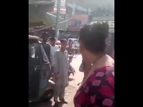 مضاربة جنس ثالث باكستانيين 😂😂 thumbnail