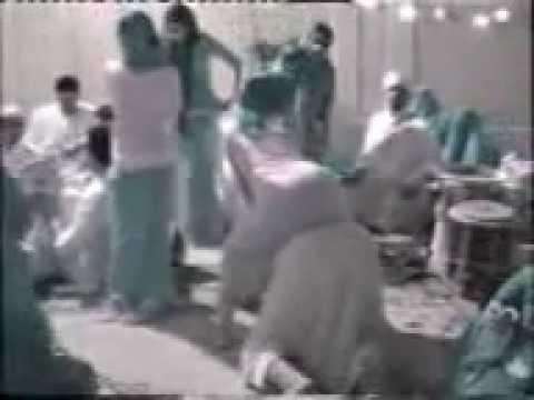 Arab Girl Shaking Ace video