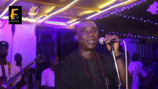 WASIU ADEGOROYE AYINDE MASHAL PRAISE HIM SELF ON STAGE WHILE FANS REJOICE WITH HIM AND SPRAY HIM