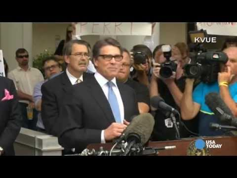 Texas Gov. Rick Perry turns himself in after indictment