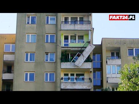Balkon Grozy W Warszawie. Wisząca Balustrada Na 9 Piętrze