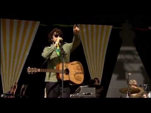 Super Furry Animals - Juxtaposed With U (Glastonbury 2007)
