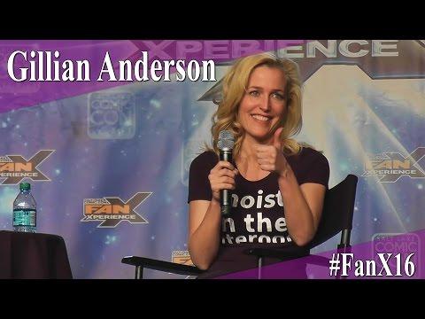 Gillian Anderson - Full Panel/Q&A - FanX 2016