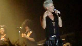 "Pink - Odense - ""I said hey what's going on"""