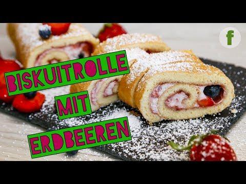 Lockere Biskuitrolle mit Erdbeeren und Creme   einfach und lecker backen
