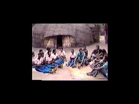 Uraho Runyenyeri wari wambaye