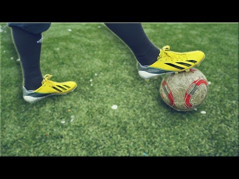 New Messi Boots: adidas F50 adizero | Unboxing | freekickerz