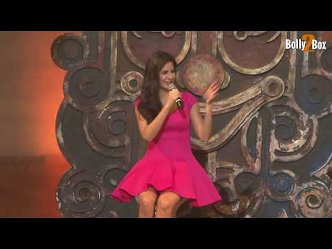 Katrina Kaif Shows Her Thighs At Dhoom 3 Song Promotion video