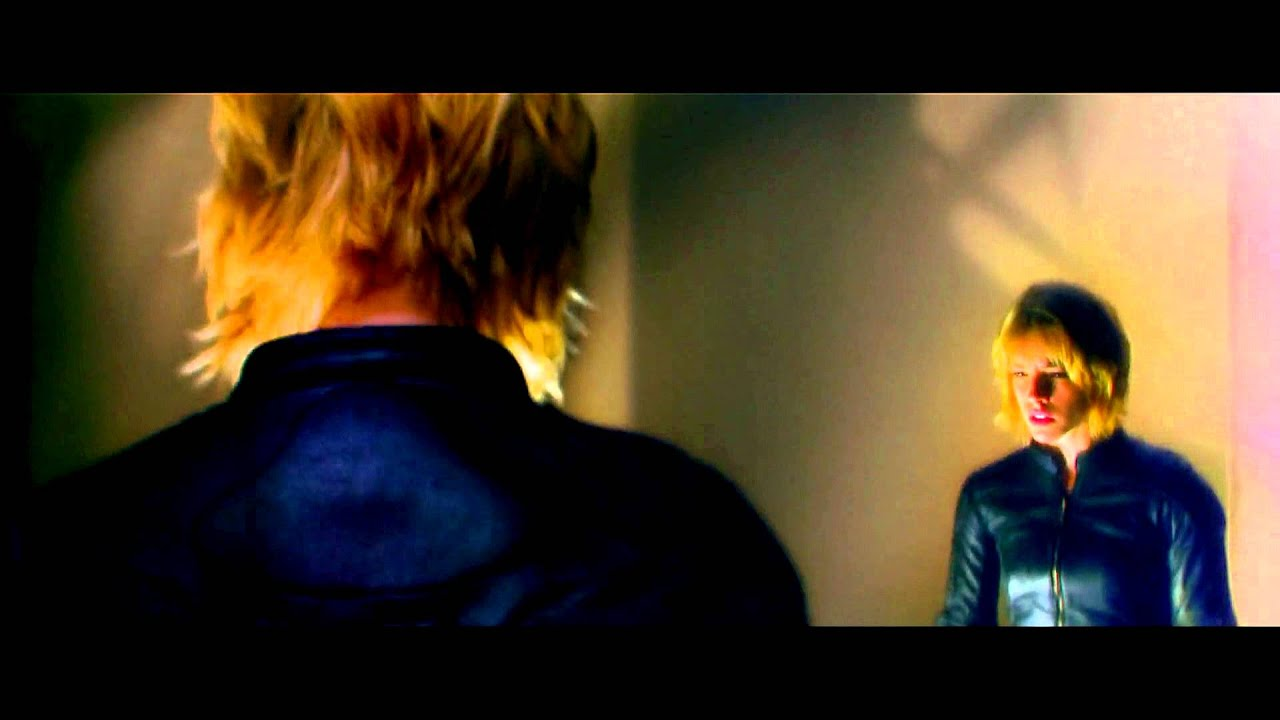 Anderson (Olivia Thirlby) uses her mutant powers on Dredd