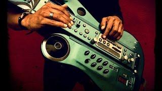 امید شیرازی و گروه در تبعید با سازهای الکترونیک جدید -- ۱