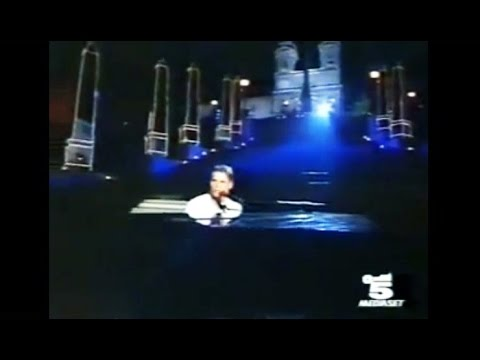 Gary Barlow - Forever Love  (Live In Rome, Italy, Piazza Di Spagna-1996)