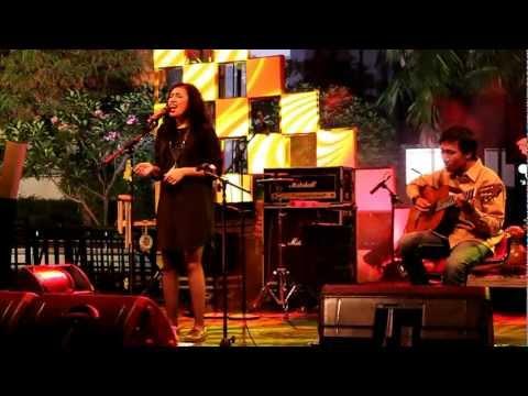 Teman Sebangku - Berhenti Sejenak (Live at RadioShow TVOne)