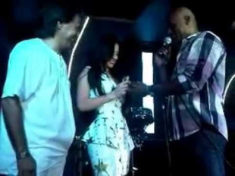 Diosa Canales en su fiesta de cumpleaños, se compromete con Kelvim Escobar.wmv