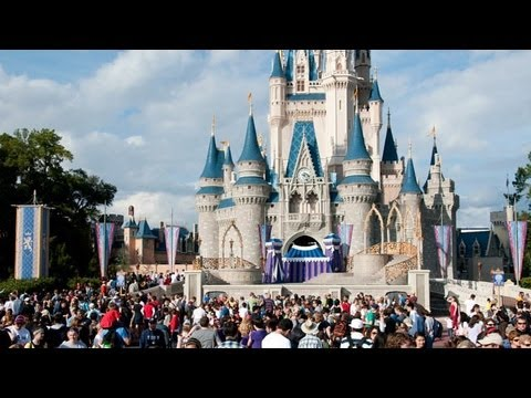 Rich People 'Rent' the Disabled to Skip Disney World Lines