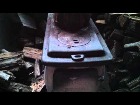 Harbor Freight Vogelzang BX26E Cast Iron Boxwood Heater/Stove Overview (item#32058)