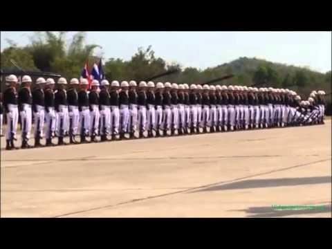 Original parada militar en Tailandia