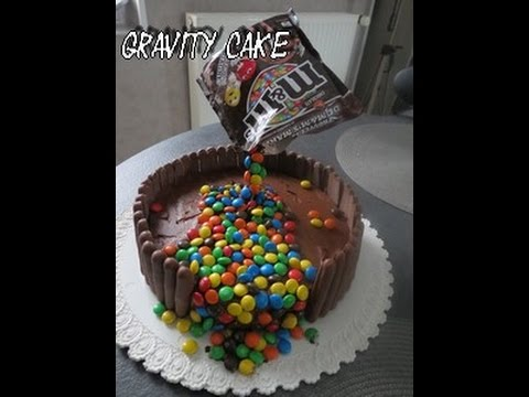 le Gravity Cake M&M's / gâteau suspendu - YouTube