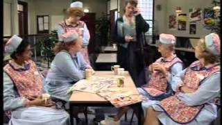 BBC Dinnerladies  S1E1   Monday Comedy)