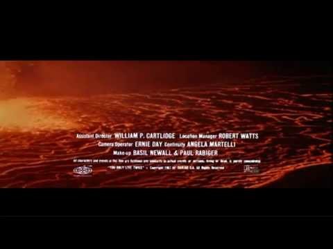 007 James Bond  Soundtrack (all Original Opening Credits) + On Track 26 Skyfall video