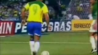 The Physics of Ronaldo the Phenomenon