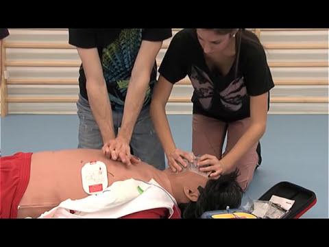 Video de reanimación cardiopulmonar (RCP) elaborado por la USJ y el 061