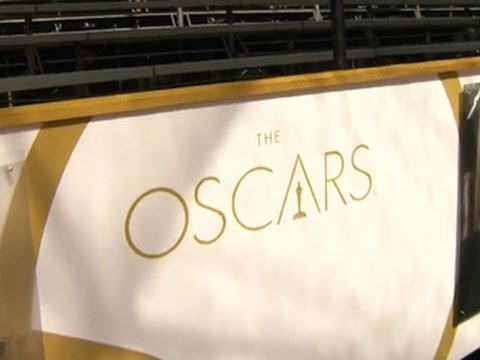Oscars 2014 red carpet rolled out early due to rai…