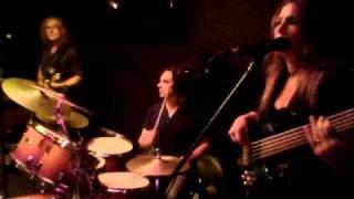 Download Lagu Rebecca Johnson Band *I DON`T NEED NO DOCTOR* Live @ Narrabeen Sands Hotel-(30-10-10) Gratis STAFABAND
