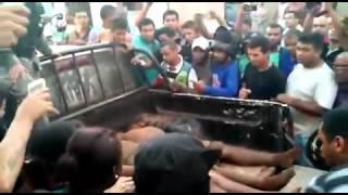 Desesperos dos familiares na chegada dos corpos dos assaltantes em Bacabal