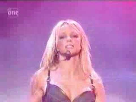Britney Spears Oops I Did It Again Live Vocals!!