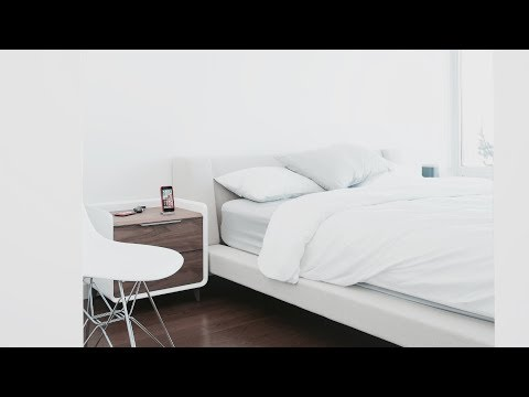 Minimalist Tech Bedroom Tour (2017)