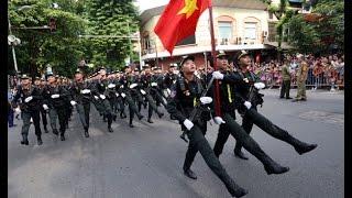 Nữ đặc nhiệm công an xinh như mộng diễu binh 2-9-2015