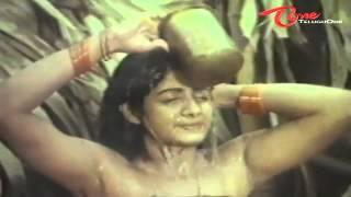 Indian Actress Sridevi's Spicy Video from her First