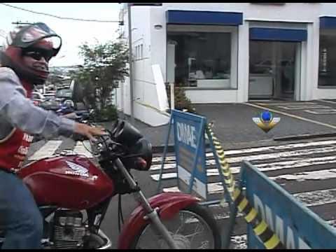 Obra do DMAE em acesso ao centro de Uberlândia tinterrompe trânsito