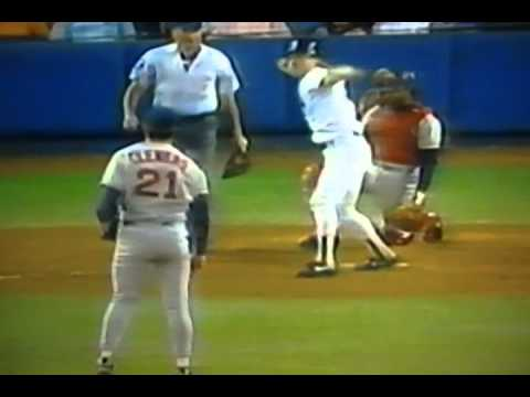 http://www.courtsidetweets.com This has to be one of the all time greatest reactions in baseball history! Matt Nokes of the New York Yankees gets beaned by Roger Clemens of the Boston Red Sox,...